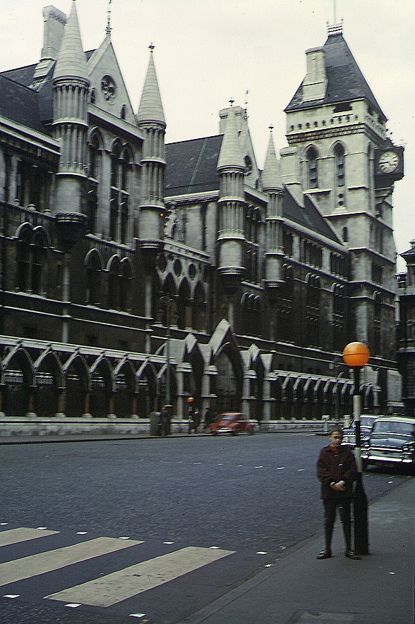 Gericht Royal Courts London Anwalt Rechtsanwalt